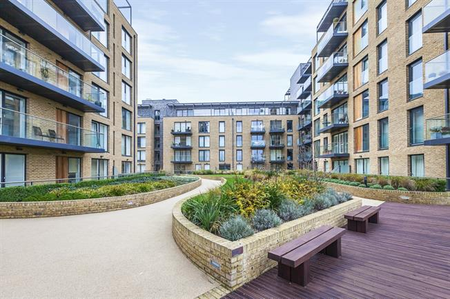 £1,950 per Calendar Month, 3 Bedroom Apartment To Rent in London, SE3