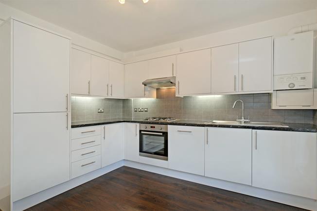 £1,600 per Calendar Month, 2 Bedroom Flat To Rent in London, SE3