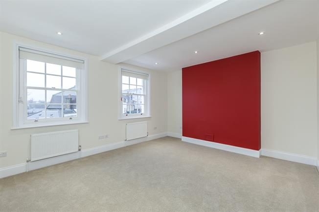 £1,800 per Calendar Month, 2 Bedroom Flat To Rent in London, SE3
