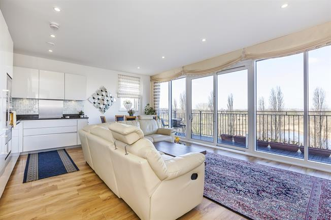 £2,299 per Calendar Month, 3 Bedroom Apartment To Rent in London, SE9