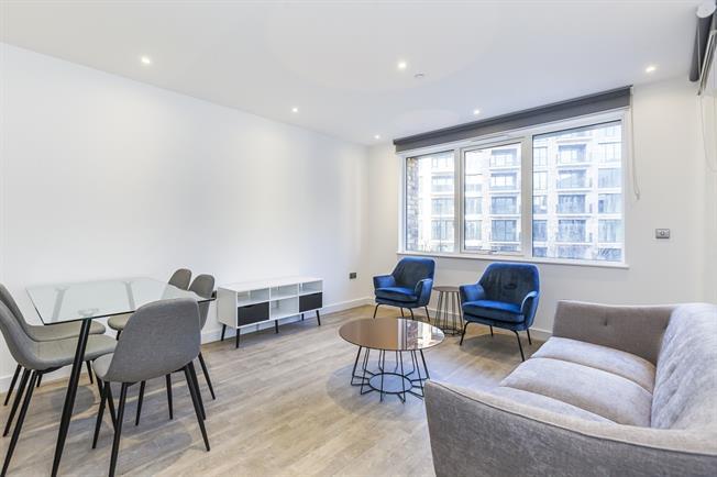 £2,265 per Calendar Month, 2 Bedroom Flat To Rent in London, SE16