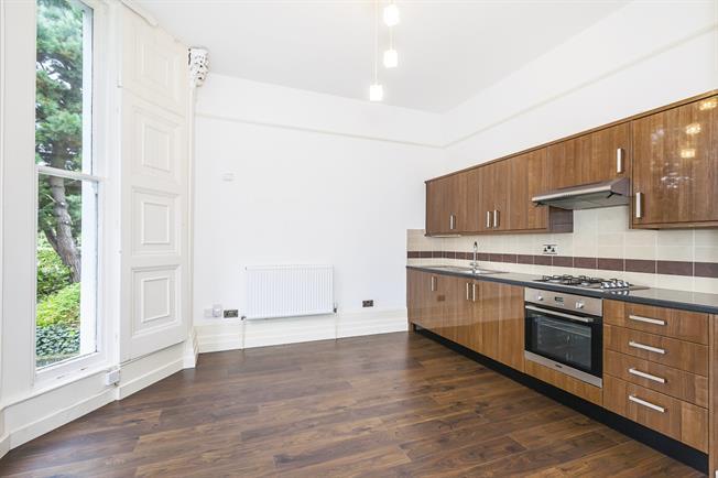 £1,200 per Calendar Month, 1 Bedroom Flat To Rent in London, SE3