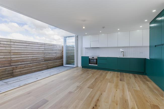 £1,949 per Calendar Month, 2 Bedroom Flat To Rent in London, SE3