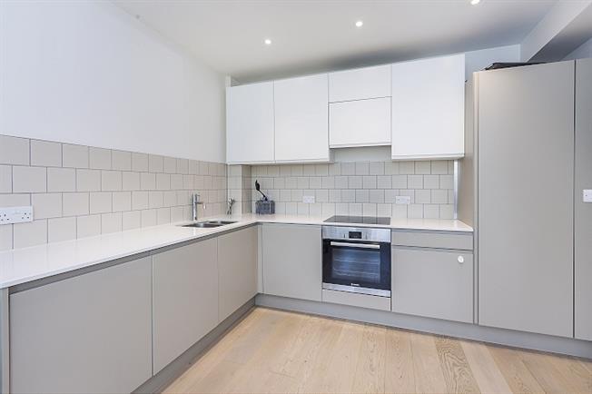 £1,250 per Calendar Month, 1 Bedroom Flat To Rent in London, SE3