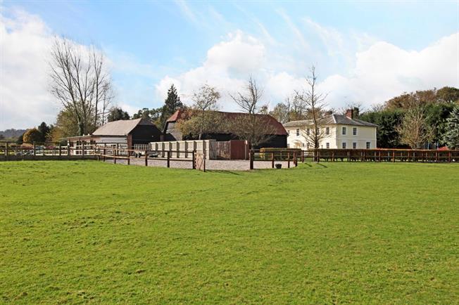 £6,000 per Calendar Month, 6 Bedroom Detached House To Rent in Newbury, RG20