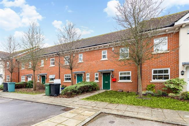 £2,145  per Calendar Month (Calculated), 3 Bedroom Terraced House To Rent in Newbury, RG14