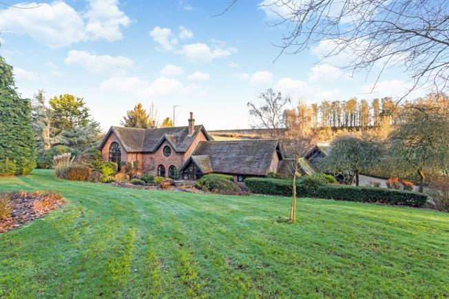 £9,750  per Calendar Month (Calculated), 5 Bedroom Detached House To Rent in Hungerford, RG17