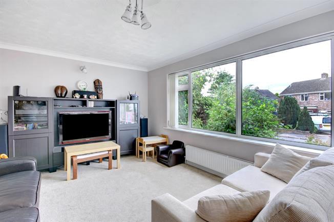 £1,395 per Calendar Month, 3 Bedroom Detached House To Rent in Newbury, RG14