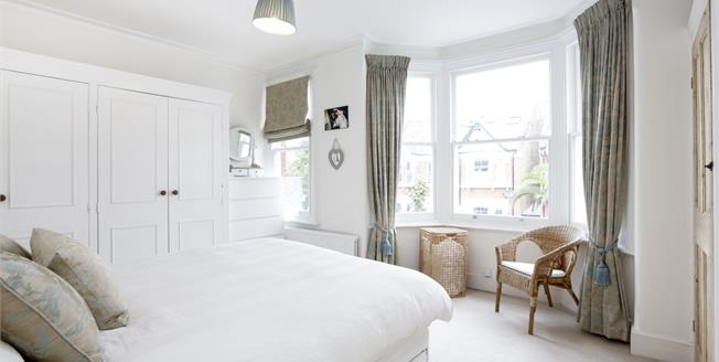 £2,850 per Calendar Month, 4 Bedroom Terraced House To Rent in London, SW18