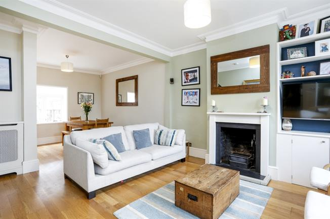 £2,400 per Calendar Month, 3 Bedroom Terraced House To Rent in London, SW18