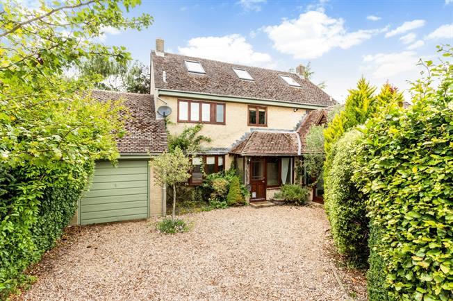 £2,400 per Calendar Month, 5 Bedroom Detached House To Rent in Oxford, OX1
