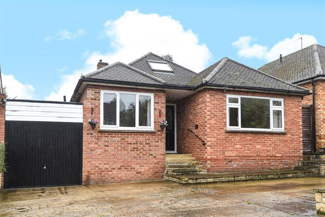 £1,399  per Calendar Month (Calculated), 3 Bedroom Bungalow To Rent in Oxford, OX2