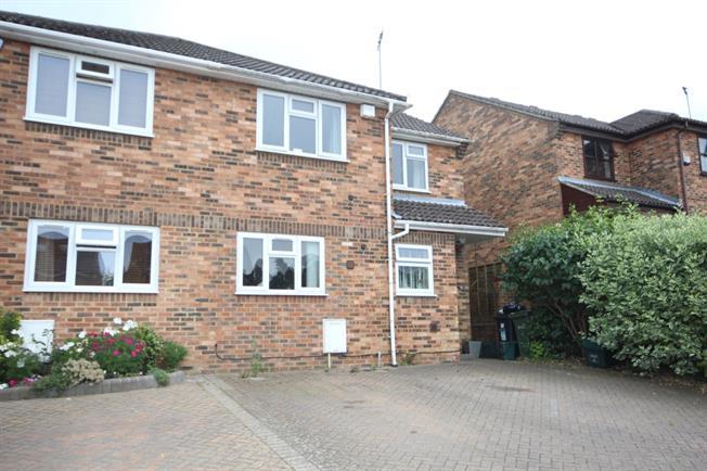 £2,300 per Calendar Month, 3 Bedroom House To Rent in Harpenden, Hertfordshire, AL5