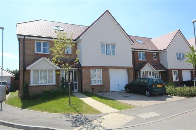 £3,000 per Calendar Month, 6 Bedroom House To Rent in Harpenden, Hertfordshire, AL5