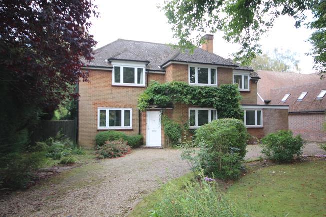 £3,500 per Calendar Month, 5 Bedroom Detached House To Rent in Harpenden, AL5