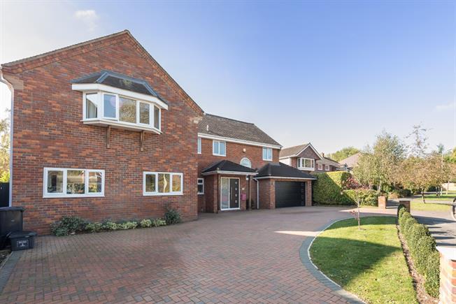£5,000 per Calendar Month, 5 Bedroom House To Rent in Harpenden, AL5