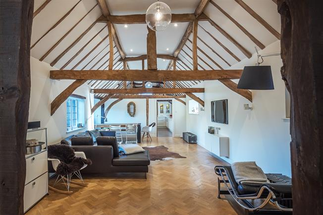 £2,995 per Calendar Month, 4 Bedroom Detached House To Rent in St. Albans, AL4
