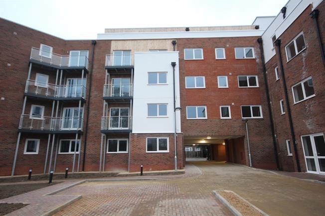 £700 per Calendar Month, 1 Bedroom Flat To Rent in Luton, LU2