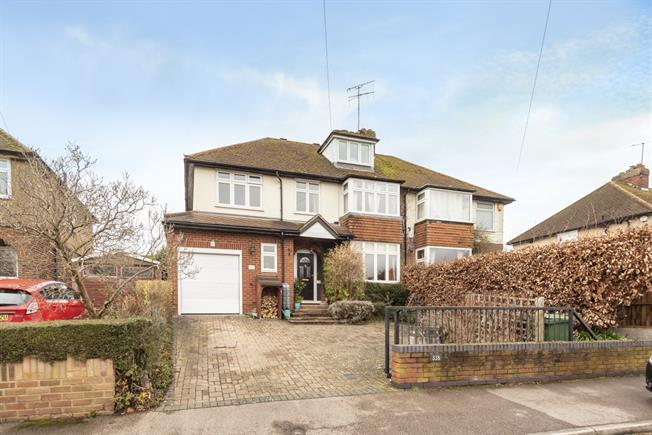 £2,200 per Calendar Month, 4 Bedroom Semi Detached House To Rent in Wheathampstead, AL4