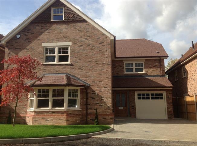 £4,000 per Calendar Month, 6 Bedroom Detached House To Rent in Harpenden, AL5