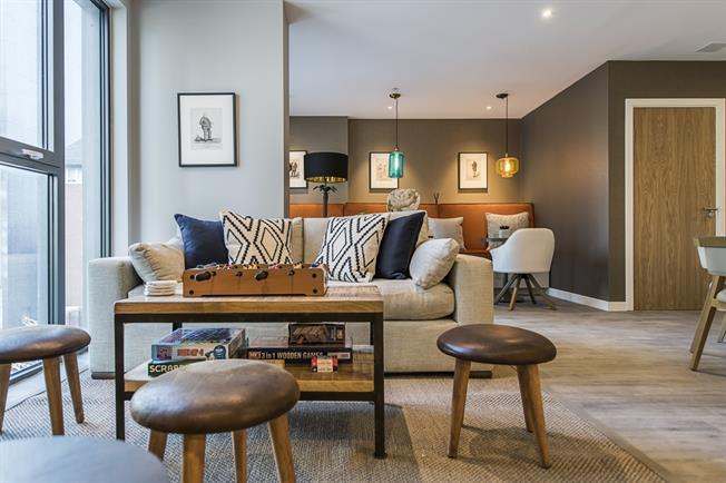 £1,765 per Calendar Month, 2 Bedroom Apartment To Rent in Sutton, SM1