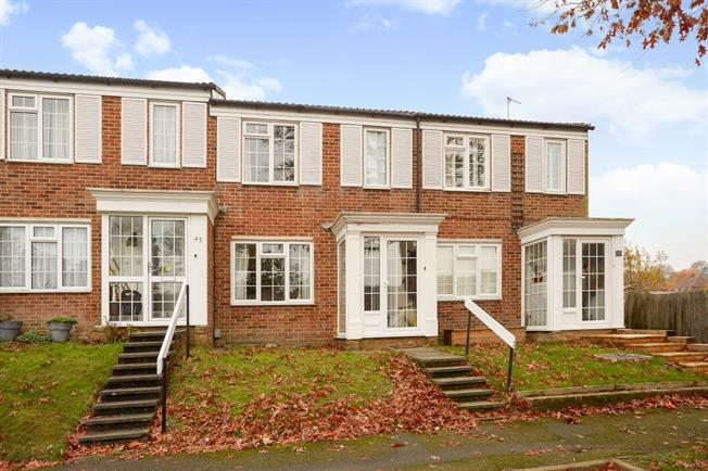 £1,350 per Calendar Month, 3 Bedroom Terraced House To Rent in Redhill, RH1