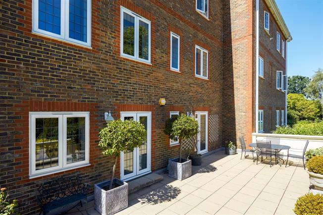 £1,695 per Calendar Month, 2 Bedroom Apartment To Rent in Reigate, RH2