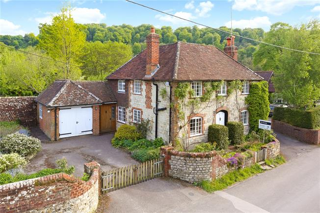 Guide Price £635,000, 3 Bedroom Detached House For Sale in Selborne, GU34