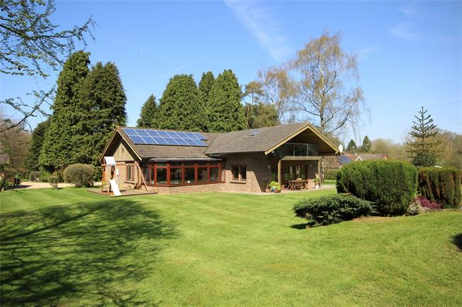 Guide Price £985,000, 4 Bedroom Detached House For Sale in Four Marks, GU34