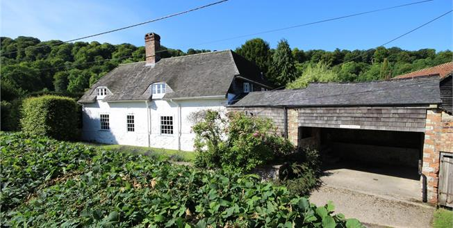 Guide Price £899,950, 4 Bedroom Detached House For Sale in Selborne, GU34
