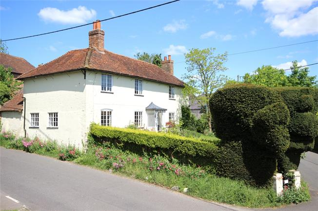 Guide Price £565,000, 4 Bedroom Detached House For Sale in South Warnborough, RG29