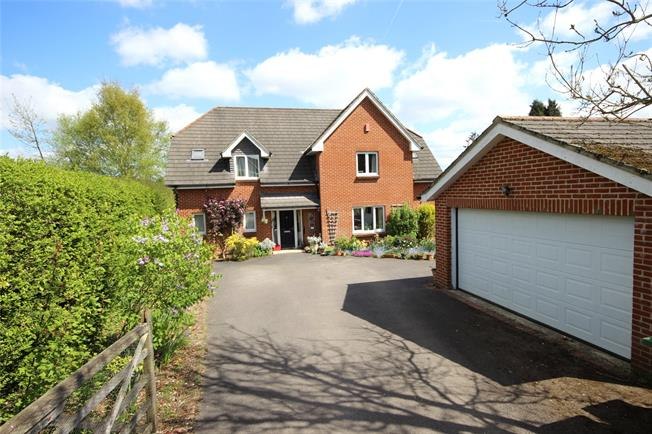 Guide Price £700,000, 5 Bedroom Detached House For Sale in Alton, Hampshire, GU34