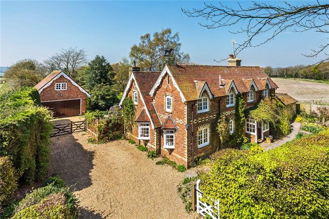 Guide Price £1,180,000, 4 Bedroom Detached House For Sale in West Worldham, GU34