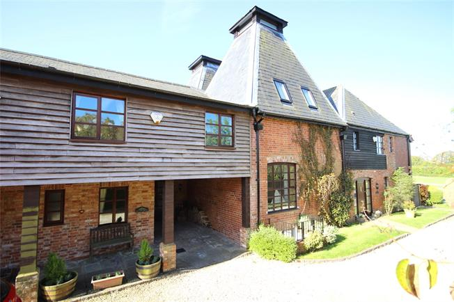 Guide Price £875,000, 4 Bedroom House For Sale in Alton, Hampshire, GU34