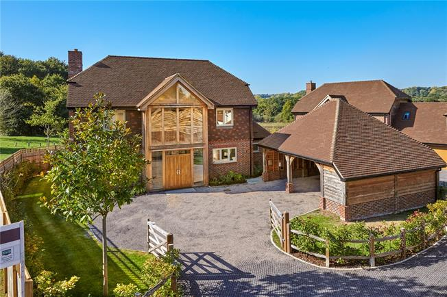 Guide Price £799,950, 5 Bedroom Detached House For Sale in Kingsley, GU35