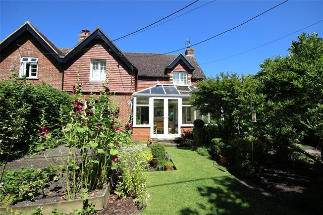 Guide Price £495,000, 4 Bedroom Semi Detached House For Sale in Selborne, GU34
