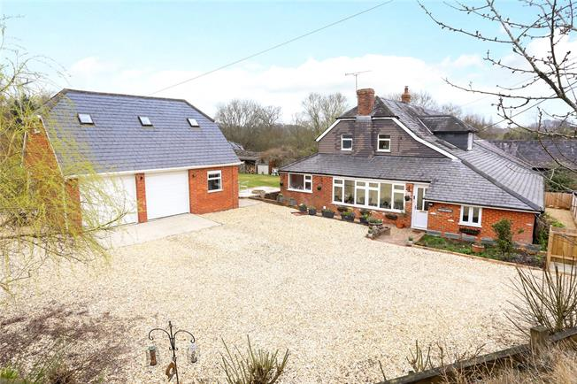 Guide Price £725,000, 5 Bedroom House For Sale in Kingsley, GU35