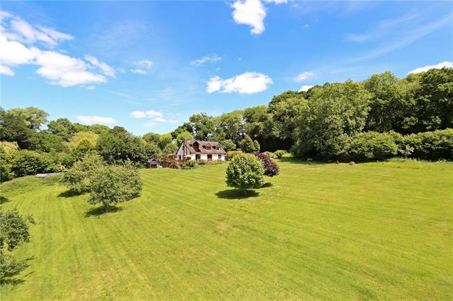 Guide Price £1,250,000, 5 Bedroom Detached House For Sale in Kingsley, GU35