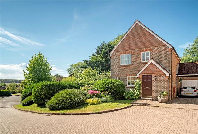 Guide Price £535,000, 5 Bedroom Semi Detached House For Sale in South Warnborough, RG29