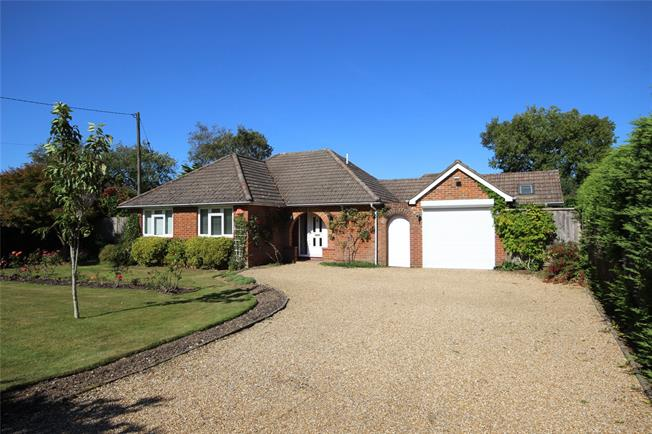 Guide Price £595,000, 3 Bedroom Bungalow For Sale in Alton, Hampshire, GU34