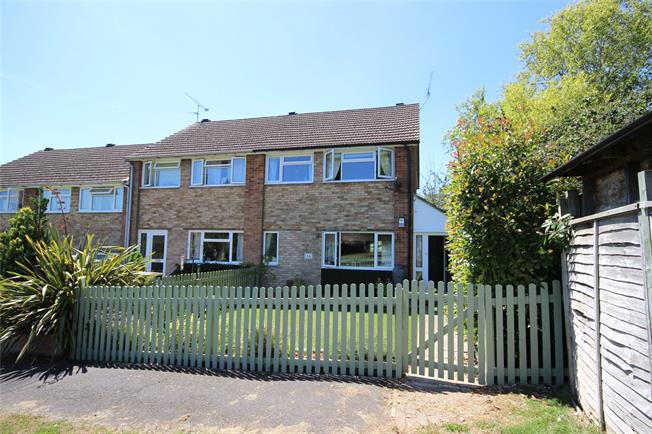 Guide Price £319,995, 3 Bedroom Terraced House For Sale in Hampshire, GU34