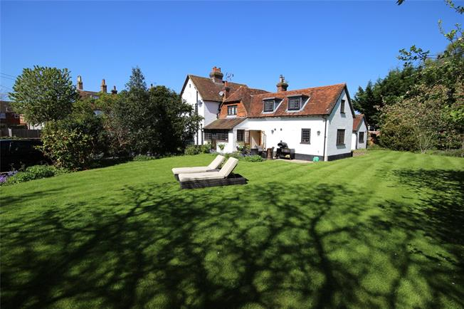 Guide Price £1,200,000, 6 Bedroom Detached House For Sale in Holybourne, GU34