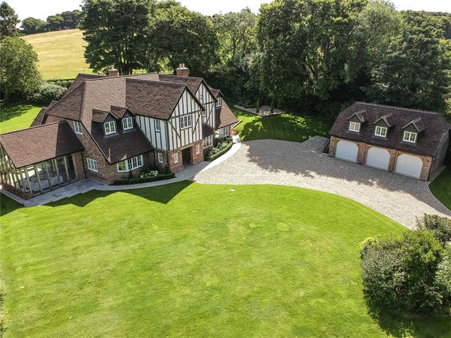 Guide Price £2,400,000, 5 Bedroom Detached House For Sale in South Warnborough, RG29