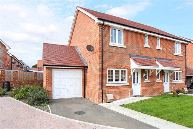 Asking Price £335,000, 3 Bedroom Semi Detached House For Sale in Four Marks, GU34