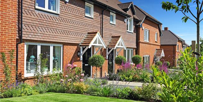 Guide Price £375,000, 3 Bedroom House For Sale in Medstead, Alton, GU34