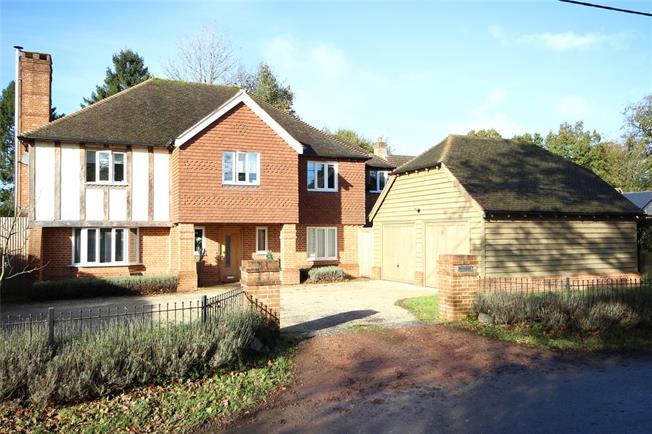 Guide Price £945,000, 5 Bedroom Detached House For Sale in Medstead, GU34