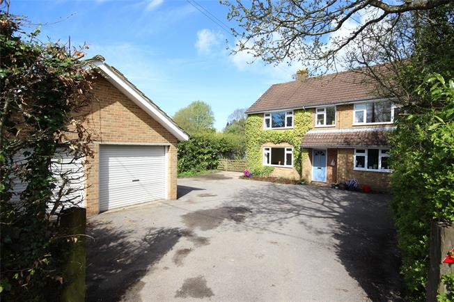 Asking Price £850,000, 6 Bedroom Detached House For Sale in Medstead, GU34