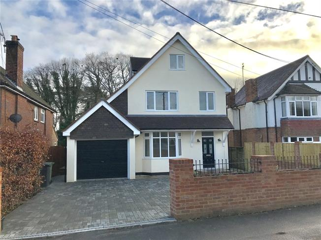 Guide Price £775,000, 5 Bedroom Detached House For Sale in Alton, GU34