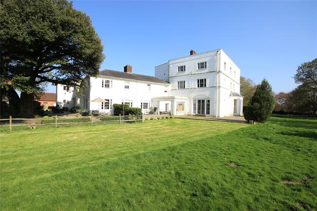 Guide Price £650,000, 3 Bedroom Town House For Sale in Upper Froyle, GU34