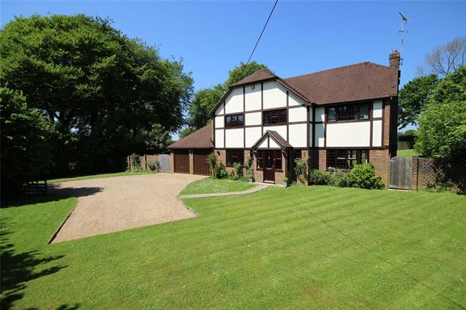Guide Price £895,000, 4 Bedroom Detached House For Sale in Medstead, GU34